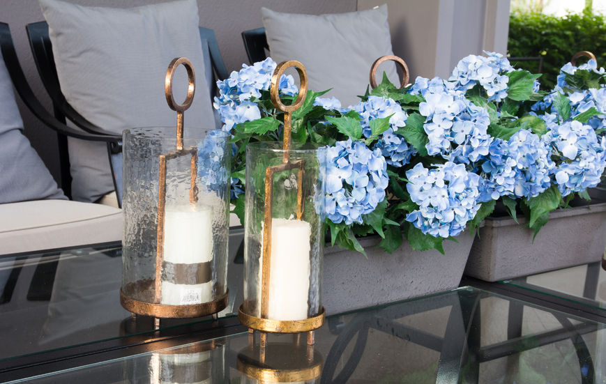 modern interior Spring decorating ideas with flowers