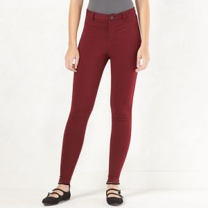 Spring outfits - red pants and black shoes